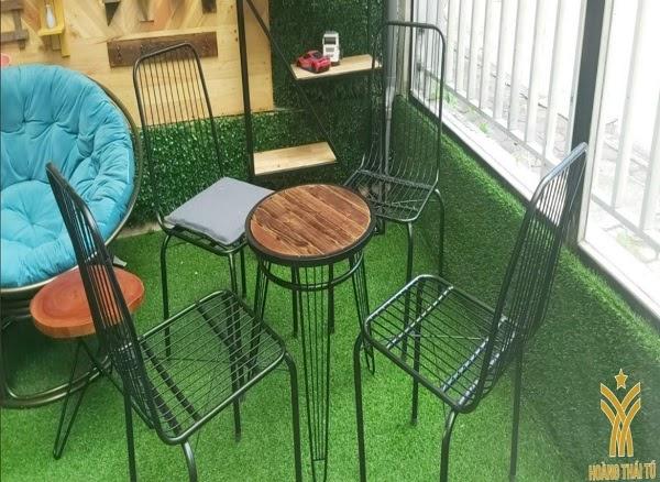 ghế sắt quán cà phê