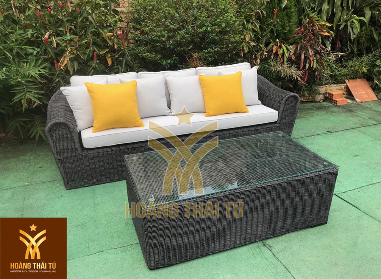 Hoàng Thái Tú - Đơn ví sản xuất và phân phối sofa mây nhựa cho phòng khách uy tín